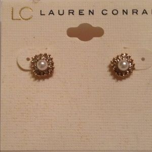 Lauren Conrad Pearl earrings